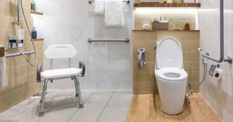 Bästa duschpallen och duschstolen: Tvätta dig säkert och bekvämt!